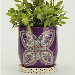 UO Plum&Bow floral pattern planter